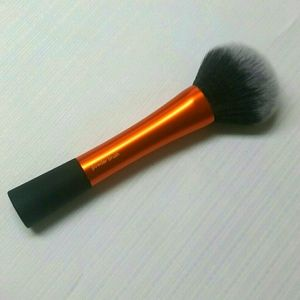 NWOT Real Techniques Powder Brush